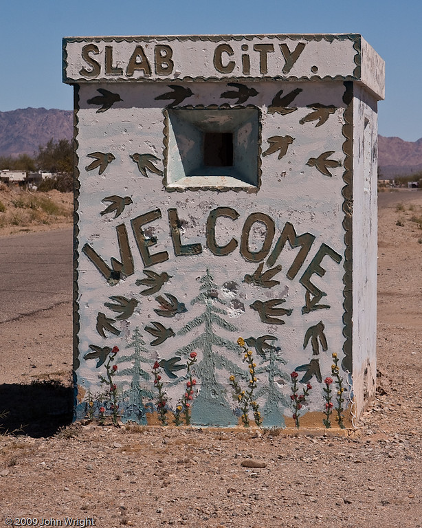 IMAGE: http://johnwright.smugmug.com/Photographic-Road-Trips/Salton-Sea-Road-Trip/IMG100-0466-40D/503711535_Xv9H7-XL-1.jpg